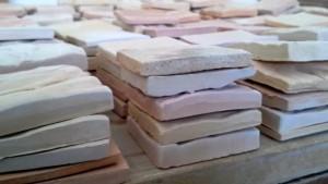 La préparation des carreaux de céramique